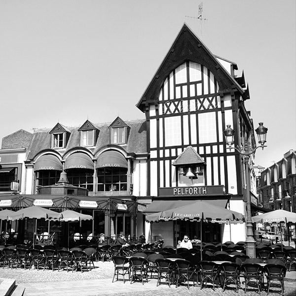Le Carillon, bar, brasserie en terrasse à Saint-Quentin